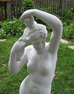 Статуя Афродита - градинска 2