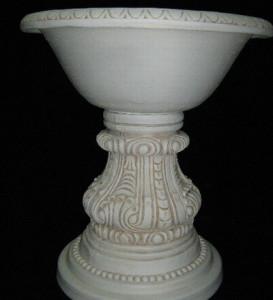 Трапезна маса основа с орнаменти 2