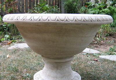 Кашпа (саксия) за градина 1