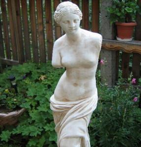 Статуя Венера Милоска - за градината 2