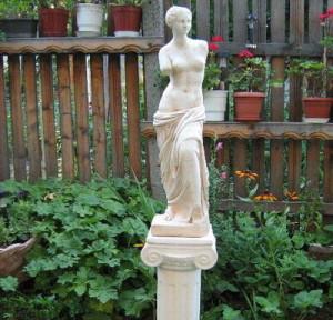Статуя Венера Милоска - за градината 3