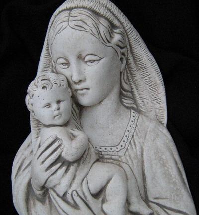 04 - Богородица за стена  1