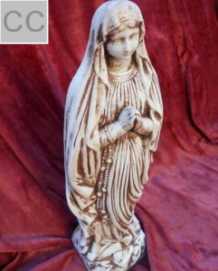 94 - Статуетка Дева Мария с броеница 4