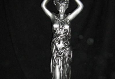 10 - Статуя Римлянка (гипс) в злато и сребро 1
