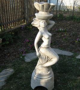 Статуя Русалка - фонтанен елемент и кашпа 2